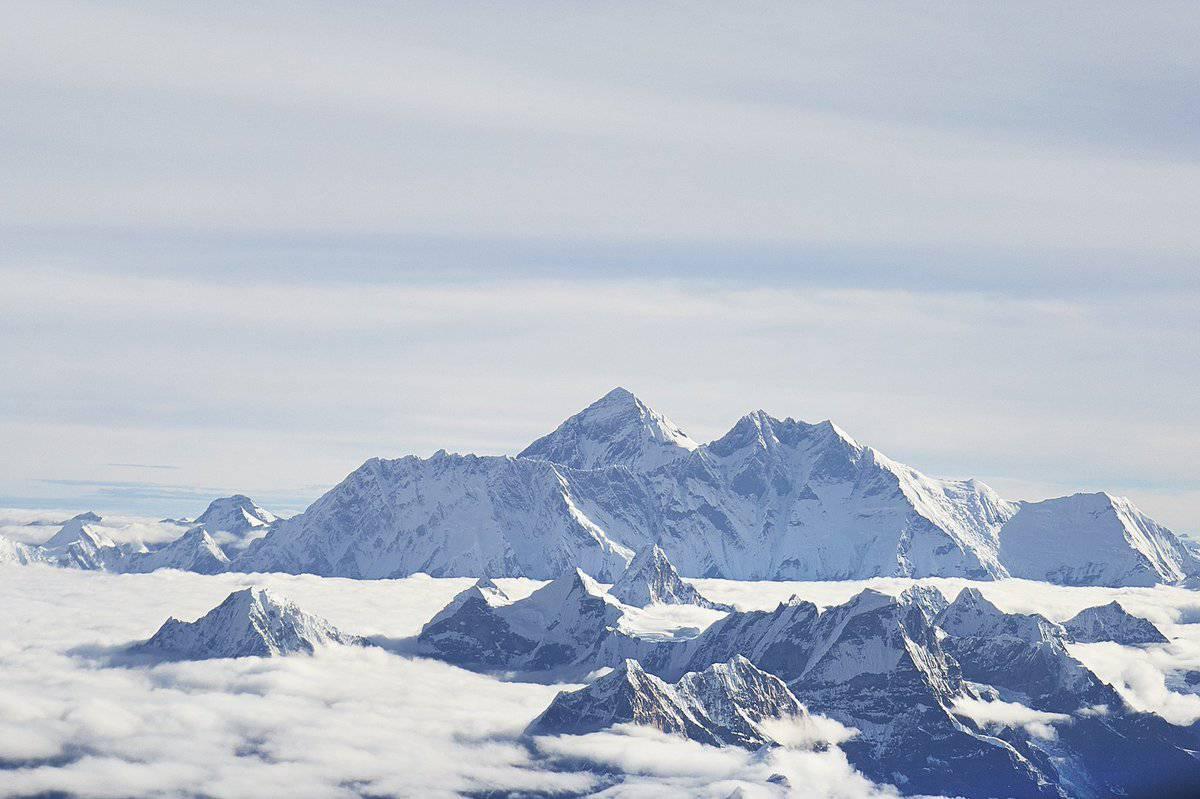 Zapanjujući prizori: Na vrhu Mont Everesta raste trava!