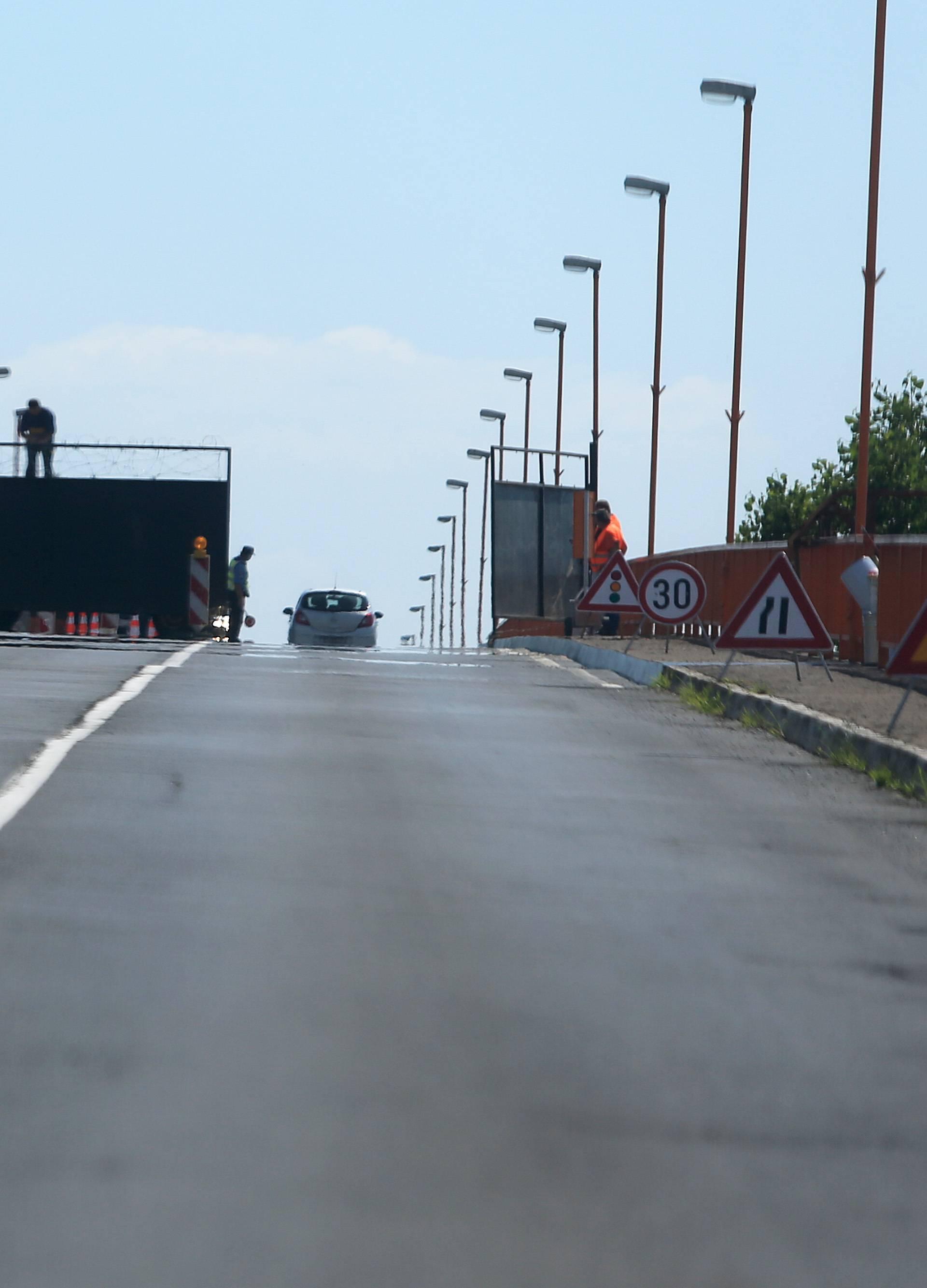 Zbog migranata? Policija: Na GP Batina postavlja se ograda