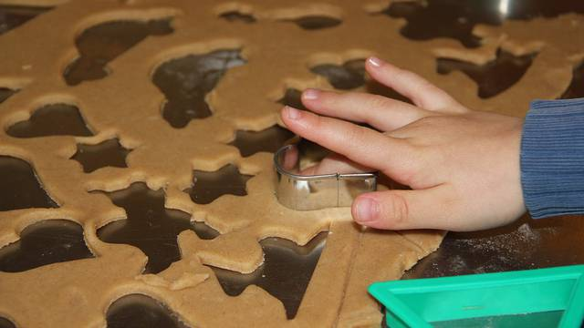 Djevojčica ispekla kekse u koje je dodala pepeo mrtvog djeda