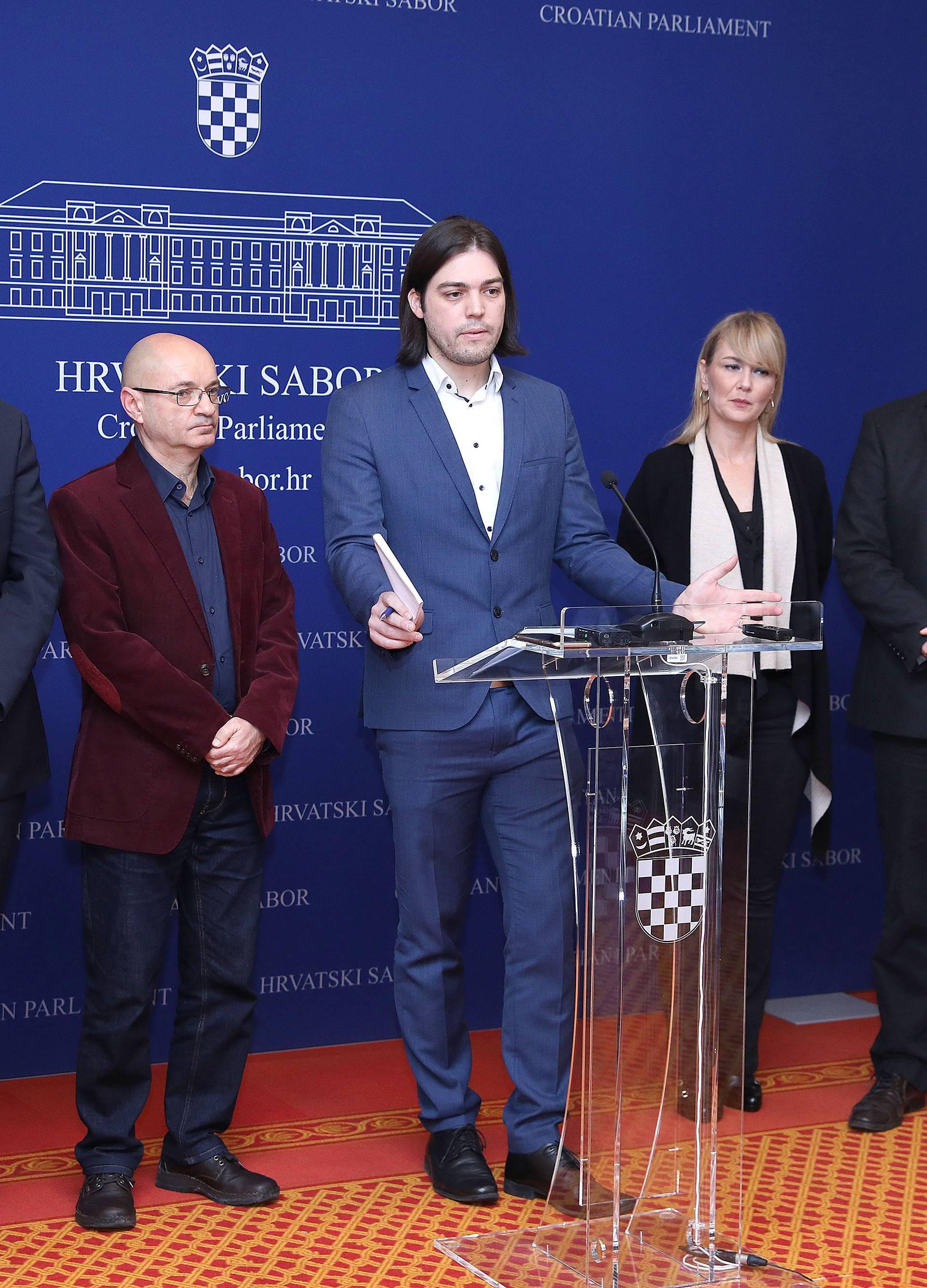 """Zagreb: Konferencija za medije o temi: """"Položaj kune"""""""