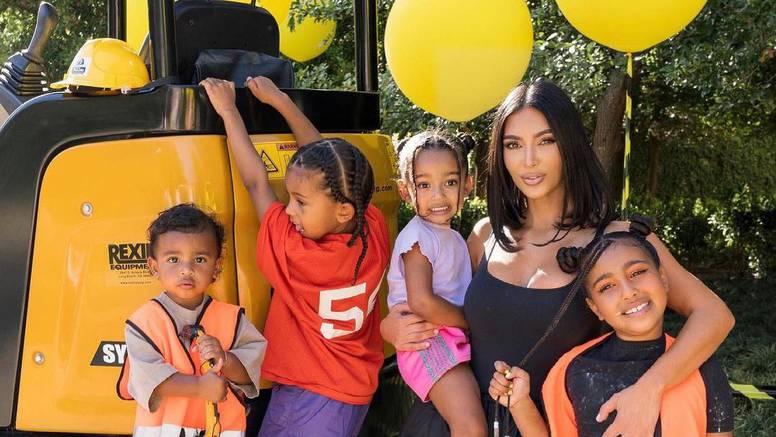 Zabrinuta Kim Kardashian: Sin Saint (5) je prebolio koronu