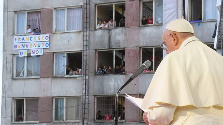 Papa Franjo u Slovačkoj osudio predrasude prema Romima