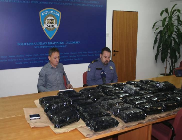Putnici bili nervozni: Policija u Maclju zaplijenila 20 kg 'trave'