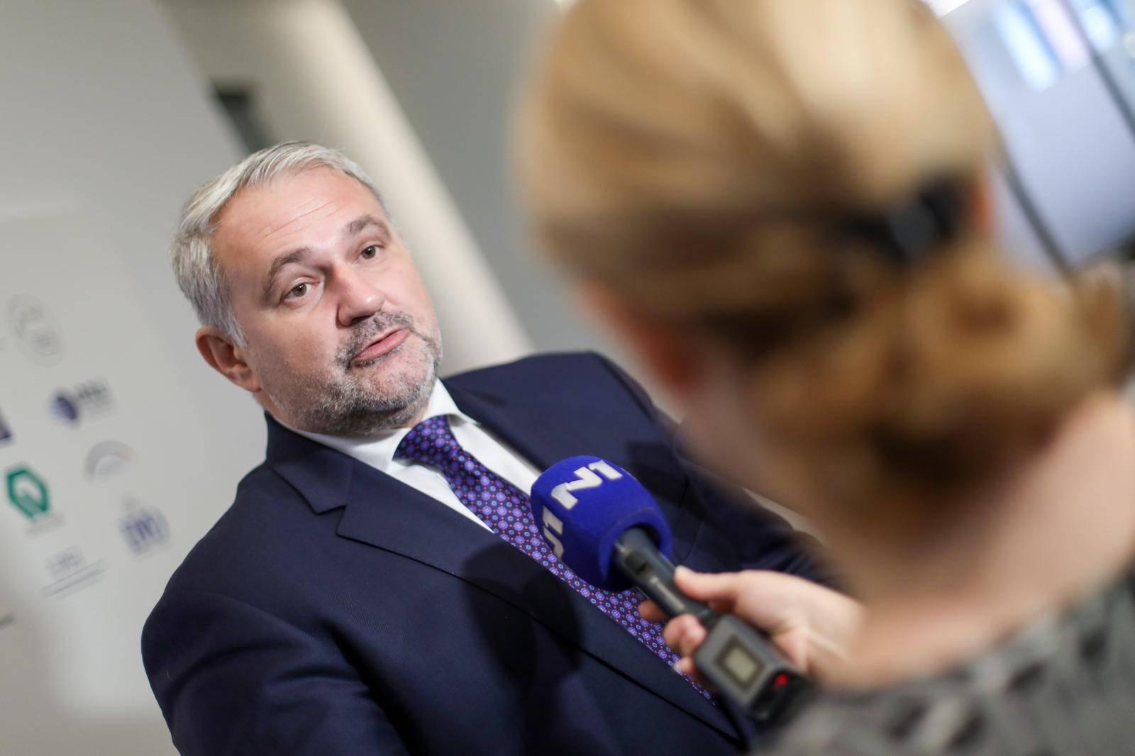 Zagreb: Predsjednik HUP-a Davor Majetić dao izjavu za medije