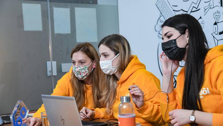 Želiš biti medijski stručnjak, novinar, video creator? Prijavi se na  Styria:SCOOL Akademiju