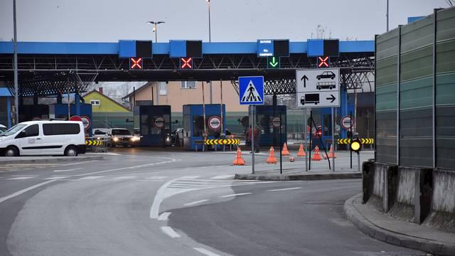 Nakon uvođenja novih mjera pust granični prijelaz u Slavonskom Brodu