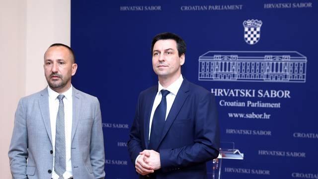 Zagreb:  Konferencija za medije HRAST -a o Zakonu o zaštiti života