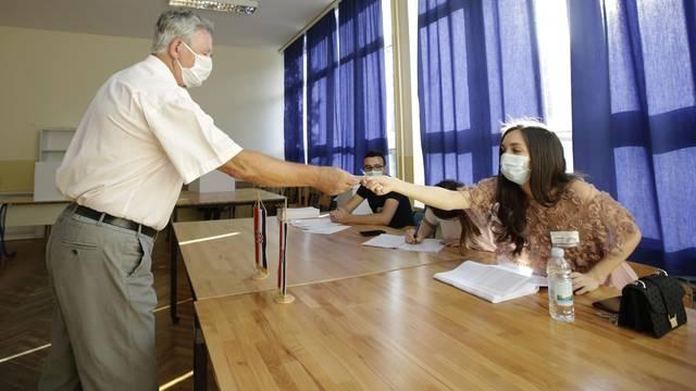 Velike gužve na biralištima u Mostaru
