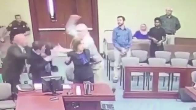 Htio mu zabiti bodež u glavu: Pedofil napao tužitelja na sudu