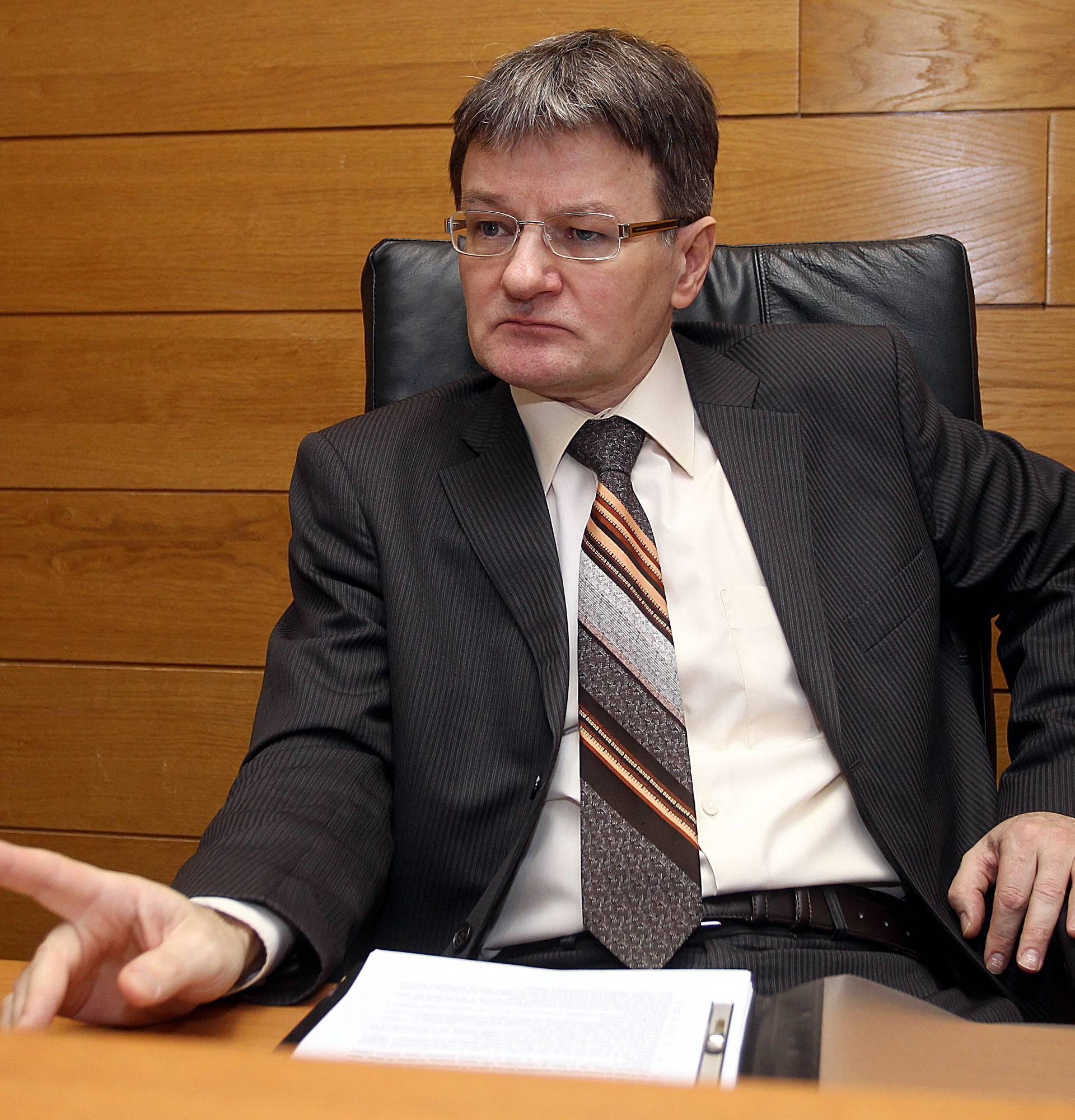 Sudac Dobronić tvrdi:  I valutna klauzula u euru je opasnost