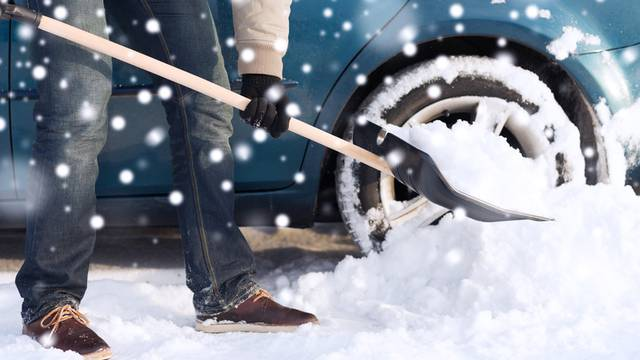 Trikovi kako si olakšati čišćenje snijega i kada izbjegavati sol