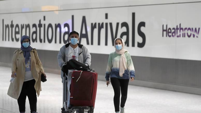 SAD će od inozemnih putnika zahtijevati da budu cijepljeni?
