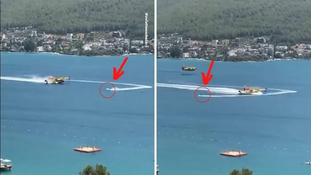 Pogledajte video: Luđak na jet-skiju presjekao put kanaderu, pilot kočio da izbjegne sudar