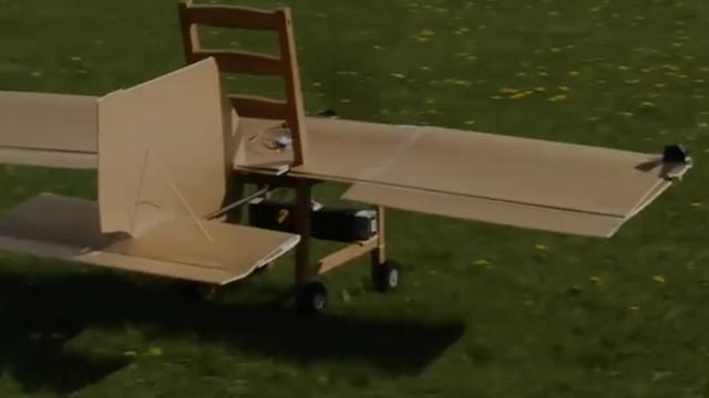 Stolac u nebesima: Napravili leteći stolac u samo šest sati
