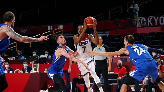 Basketball - Men - Group A - United States v Czech Republic