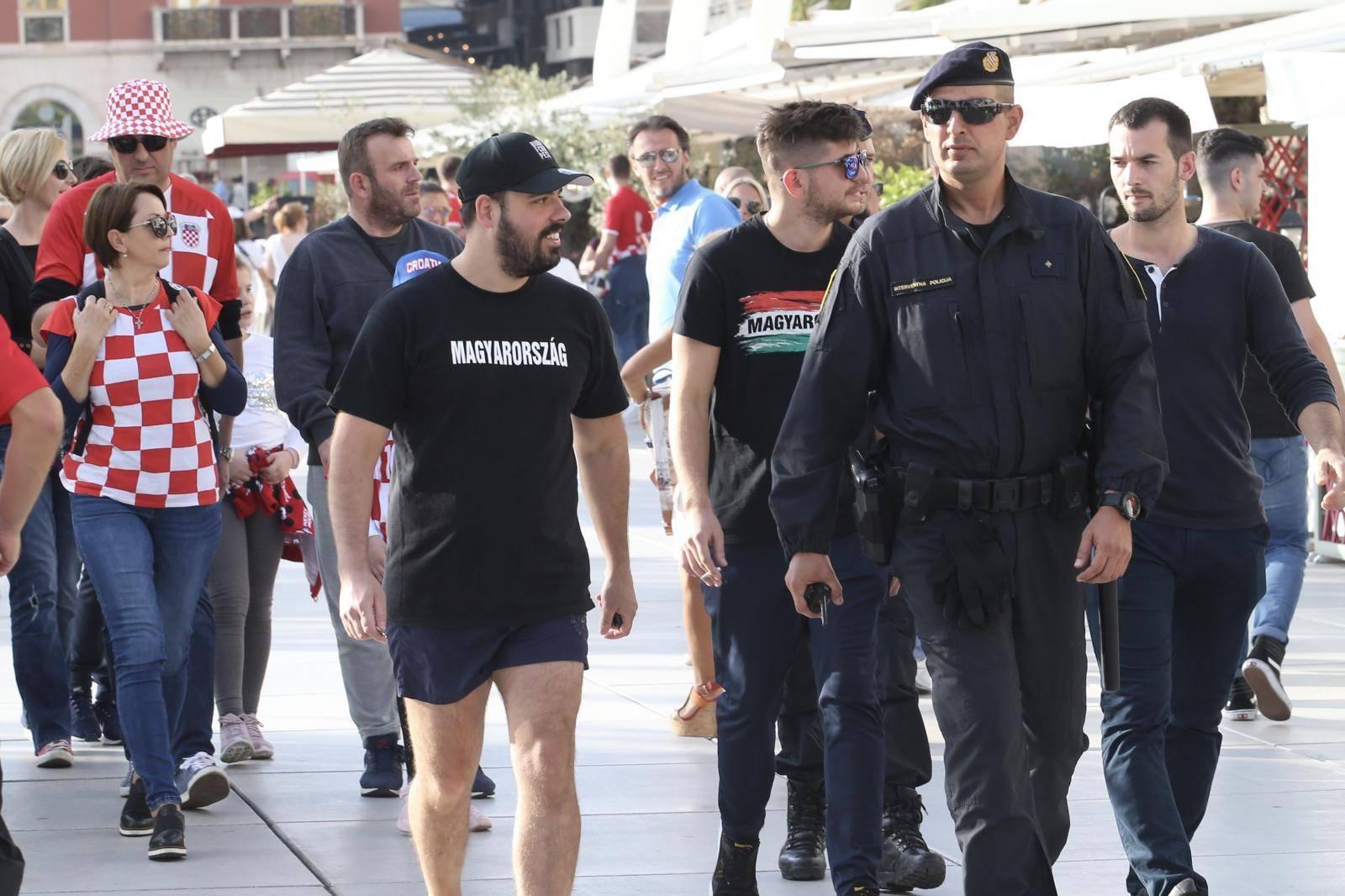 Poljud je krcat! Mađari su ušli bez incidenta, policija ih pratila