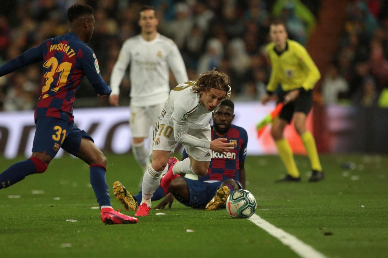 Real Madrid vs Barcelona Soccer to La Liga Spain match 26