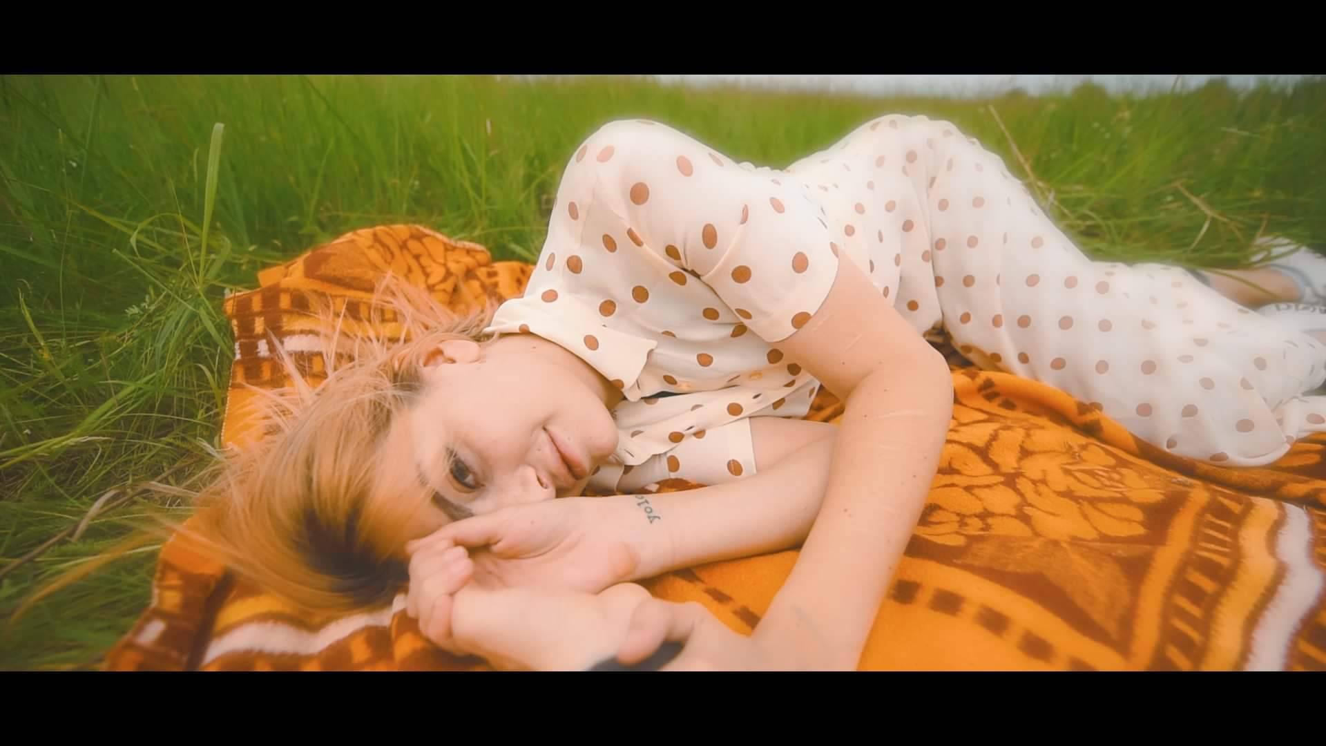 """Ella Dvornik u """"Ljetnoj haljini"""" grupe Fluentes!"""