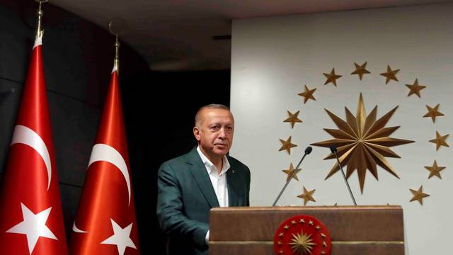 Turkish President Erdogan attends a news conference at Huber Mansionin Istanbul