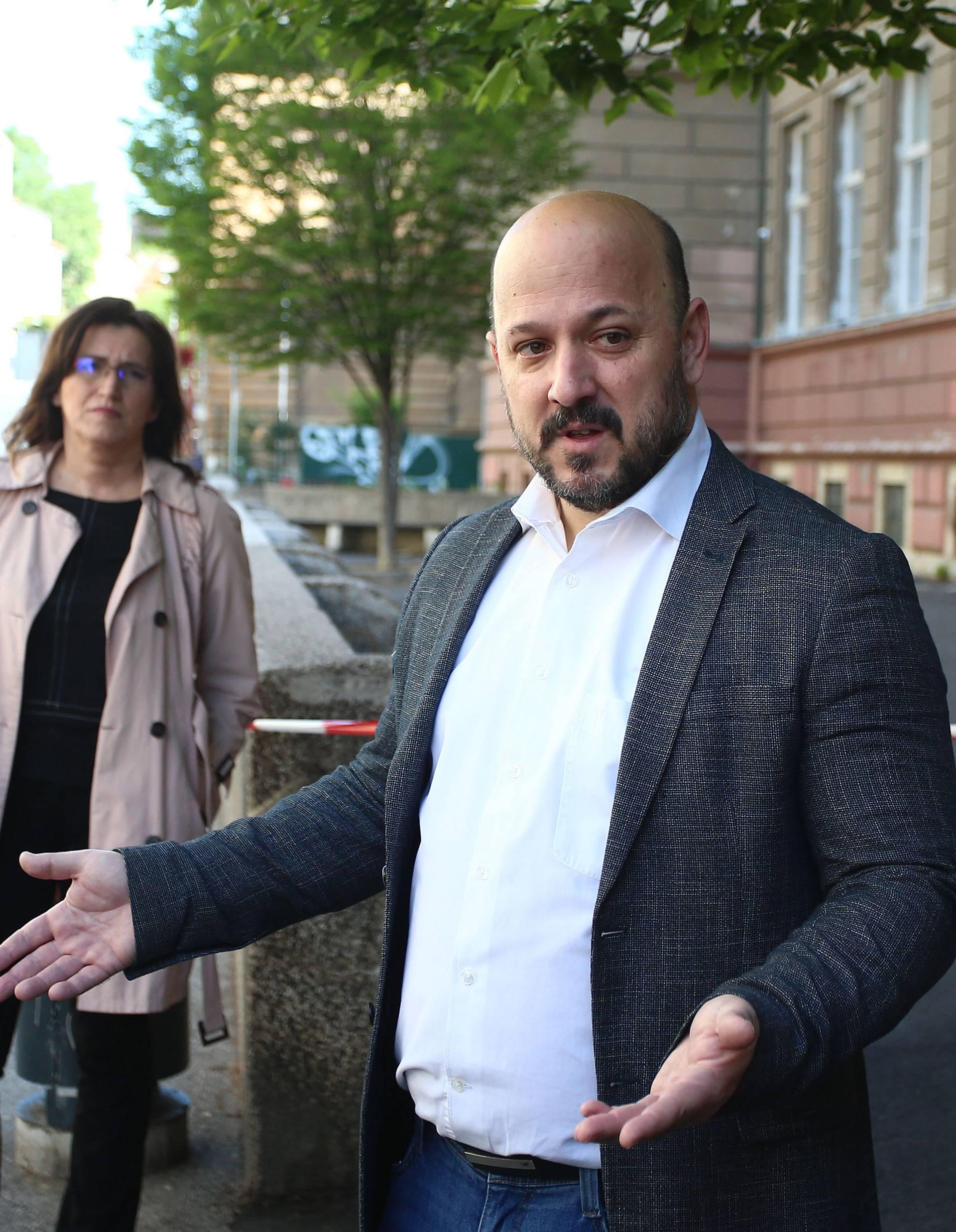 "Zagreb: SDP-ova konferencija na temu ""Problem snacije škola u Zagrebu nakon potresa"""