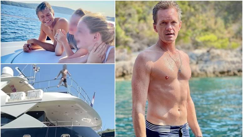 Glumio je u 'Kako sam upoznao vašu majku': Barney stigao u Hrvatsku s mužem i djecom
