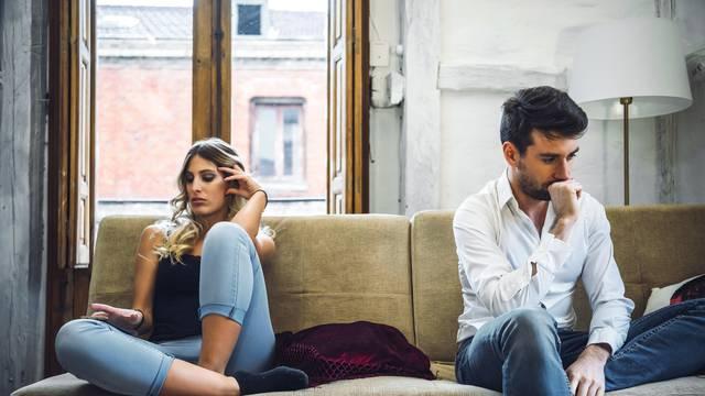 Što muškarac uistinu misli kada vam kaže da želi 'pauzu' u vezi?