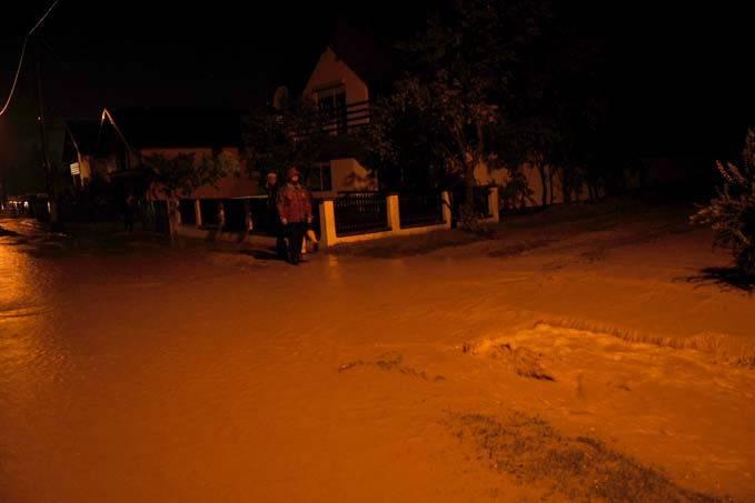 Jako nevrijeme poplavilo kuće, mještani ogorčeni: 'Pa dokle?!'