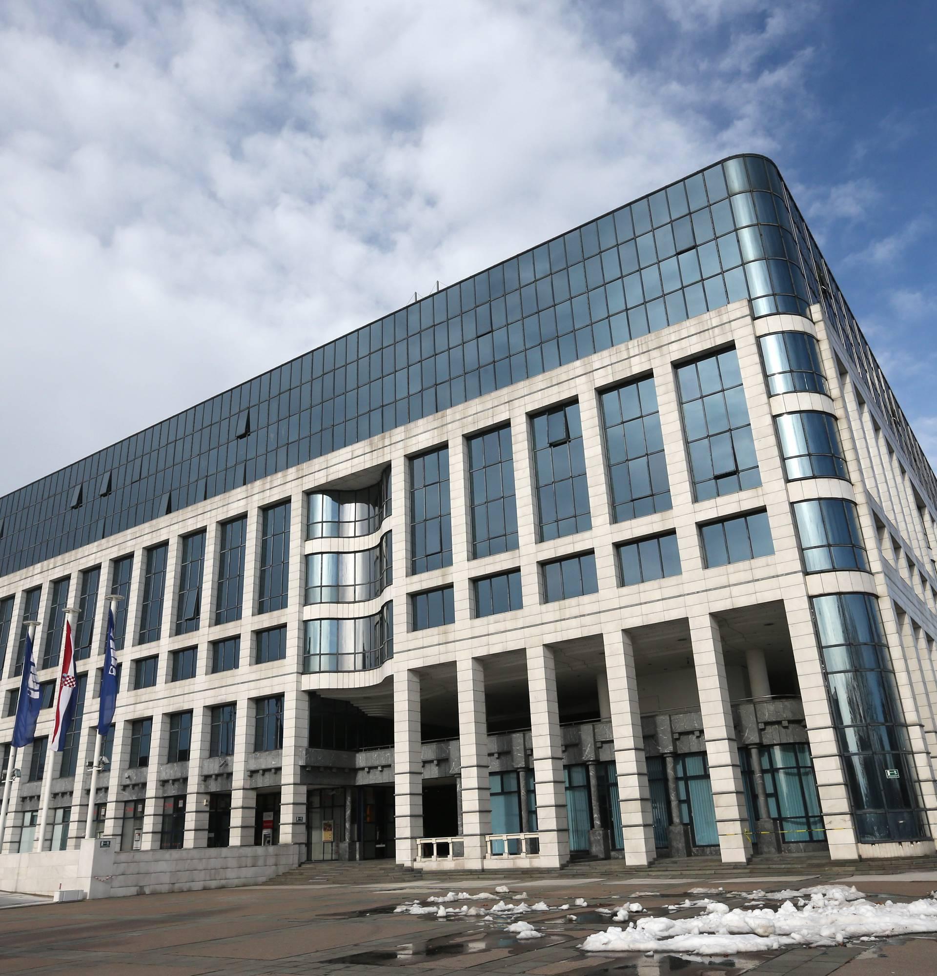 SDP ima alternativni model otkupa Ine - energetski holding