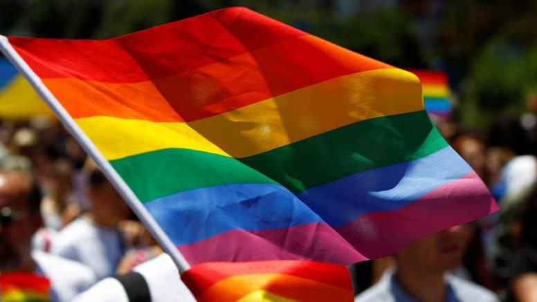 Pravoslavna crkva prvi je put krstila transrodnu osobu