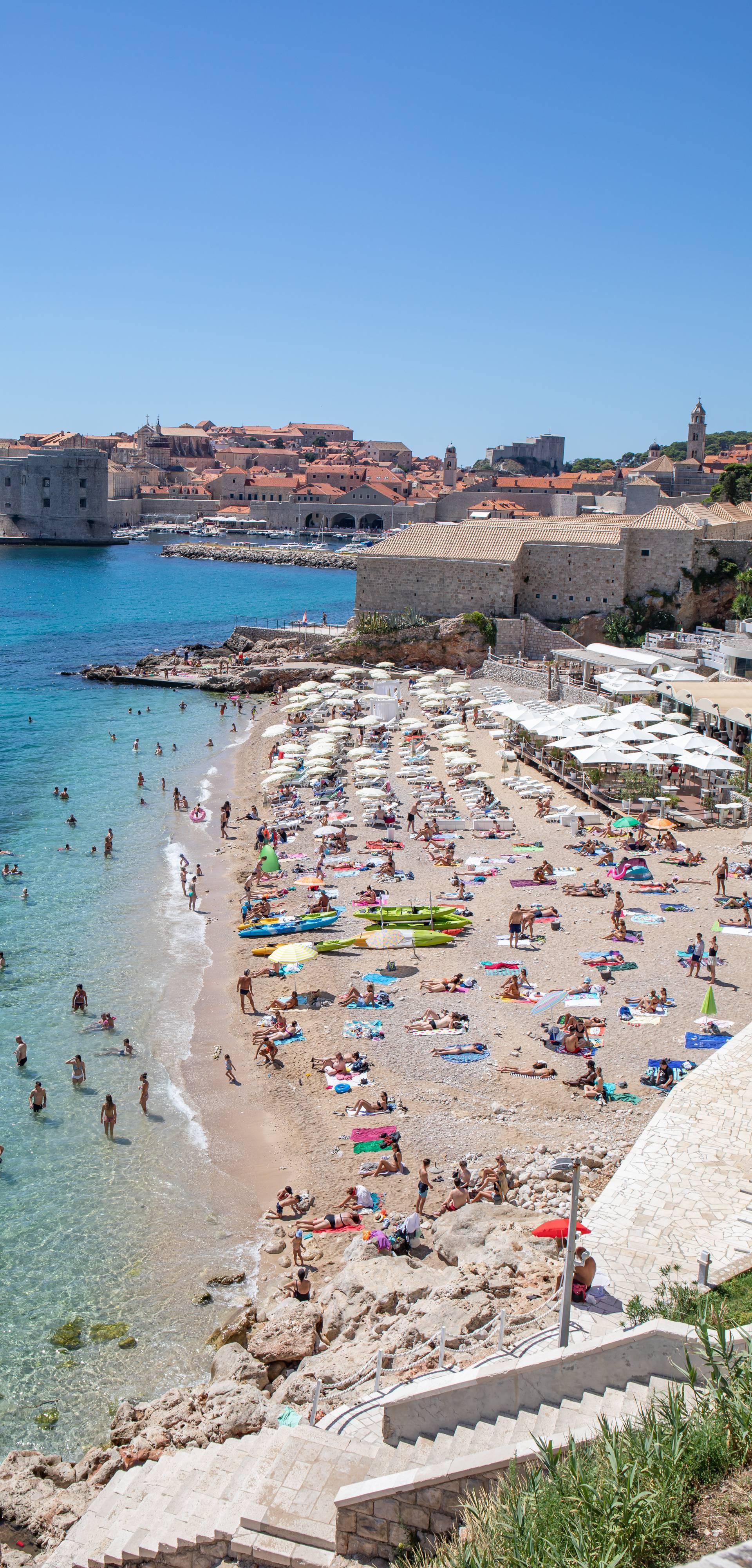 Dubrovnik: Plaža Banje puna je posjetitelja