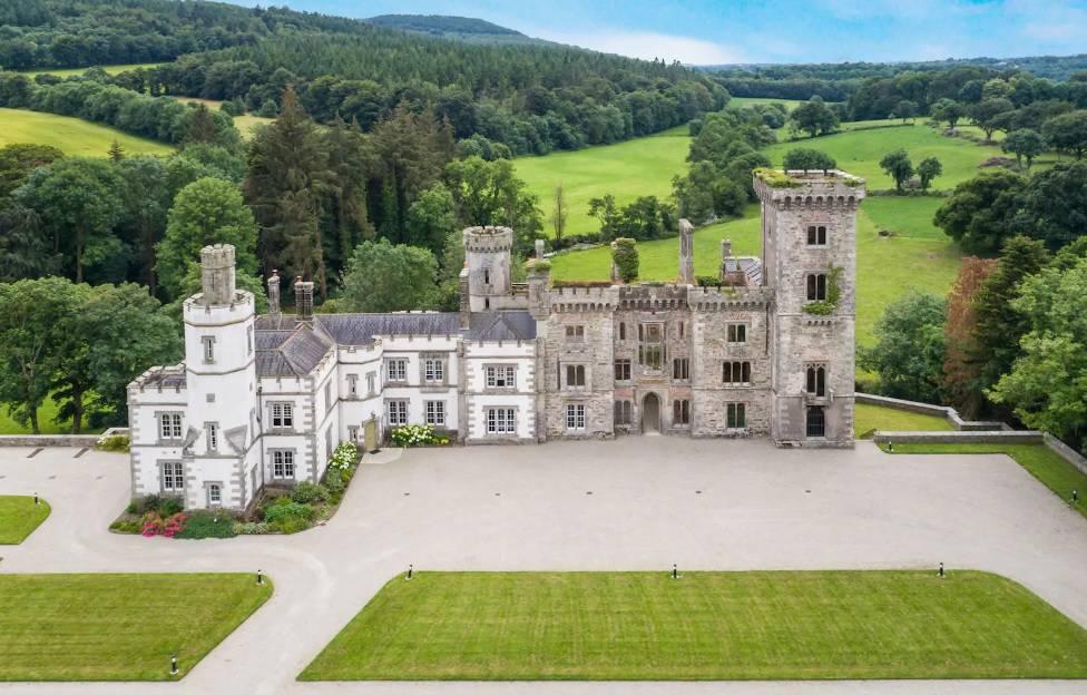 Što mislite, koliko stoji najam ovog dvorca u Irskoj, po danu?