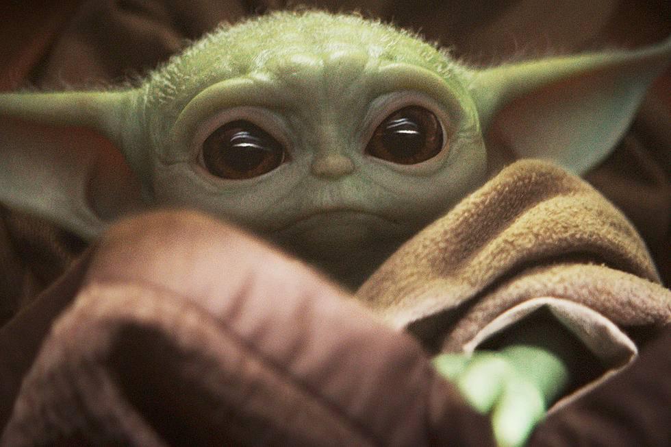 Svi su ludi za bebom Yodom: Napravili i smiješne memove