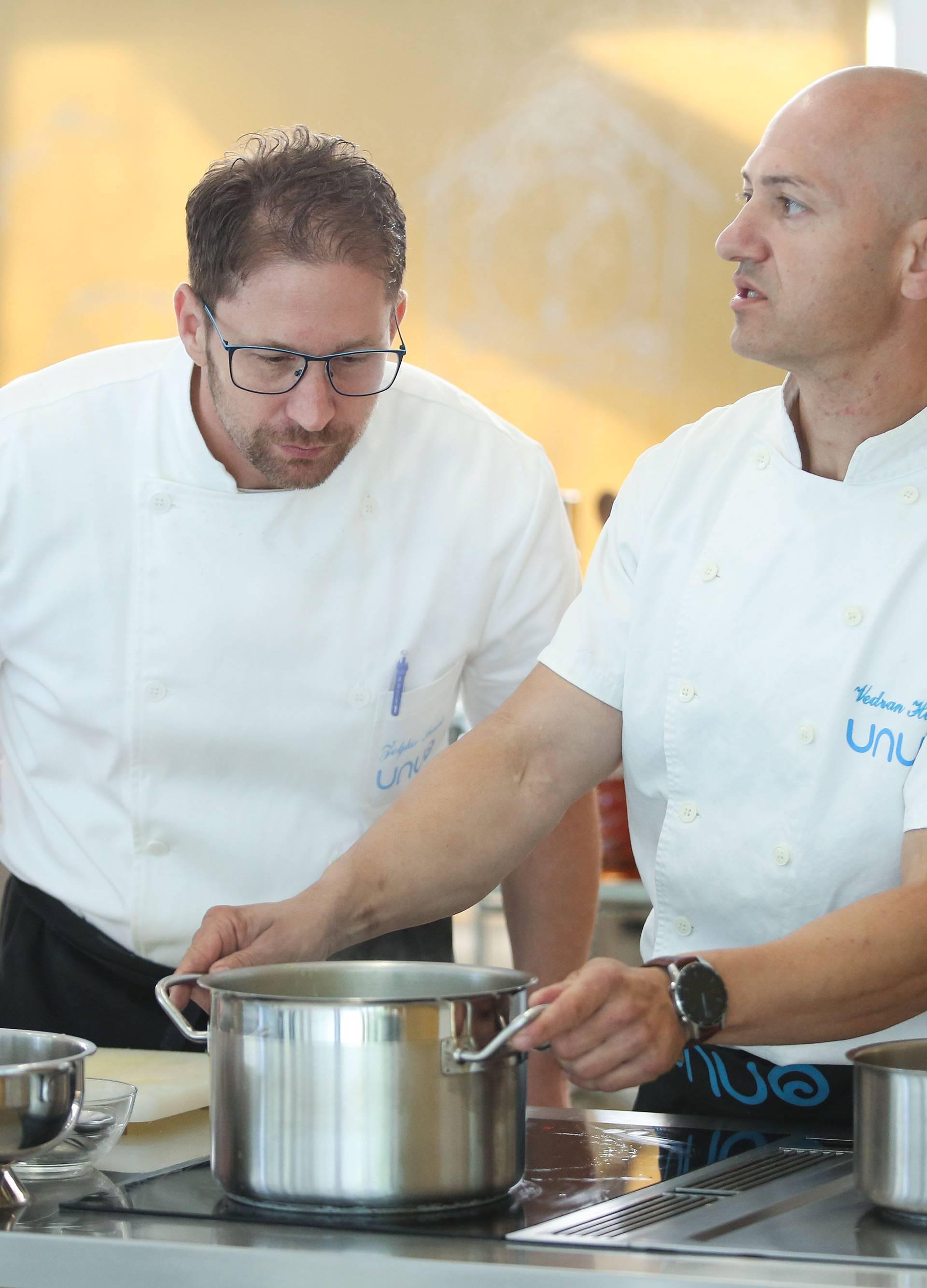 Dva zagrebačka kuhara postavljaju Guinnessov rekord u timskom kuhanju