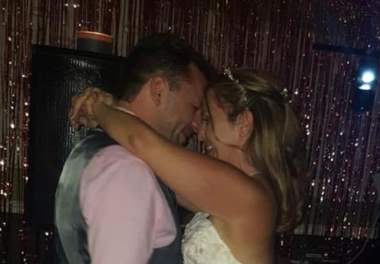 Nitko ne zna zašto: Nicola (42) je umrla na medenom mjesecu