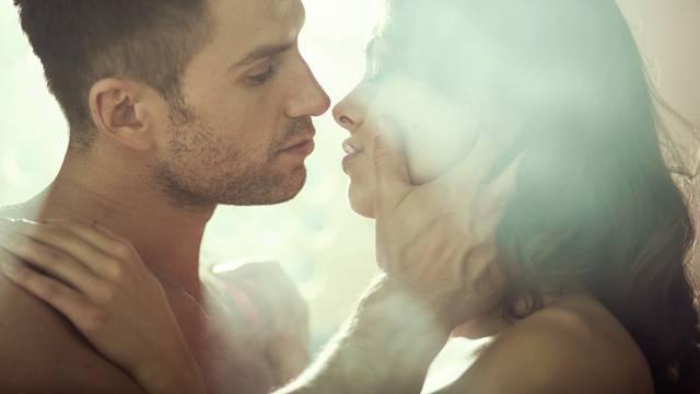 Vratite strast u brak: Dajte mu do znanja da ga stvarno želite