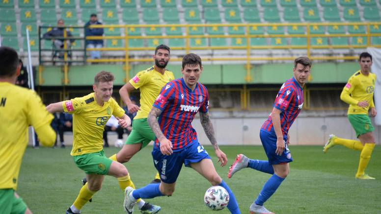 Simić donio bodove Hajduku, Blagojević zaradio crveni karton