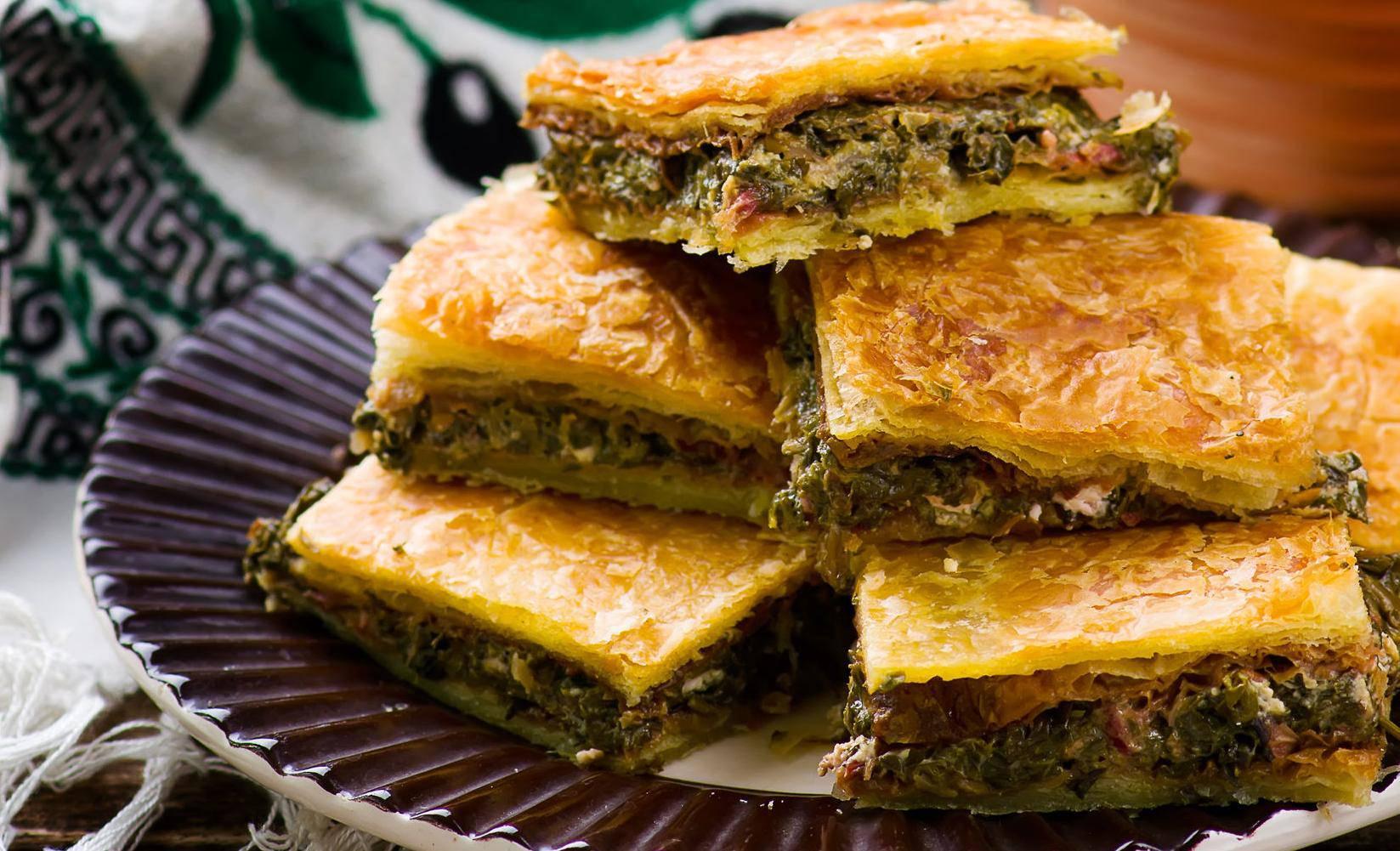 Grčka pita sa sirom i špinatom je odlična ideja za brzu večeru