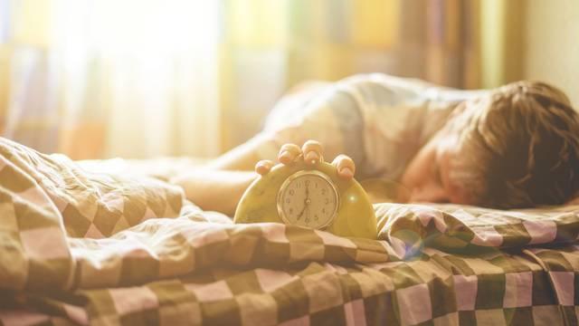 Iritantan fenomen: Evo zašto se često budimo baš prije alarma