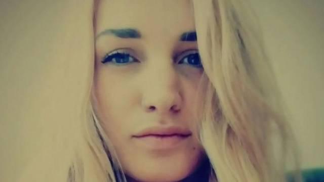 Bizarno: Djevojka umrla nakon što se ljubila sa svojim dečkom