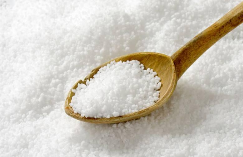 Uz malo soli pokupite razbijeno jaje i vratite sjaj staklu u trenu