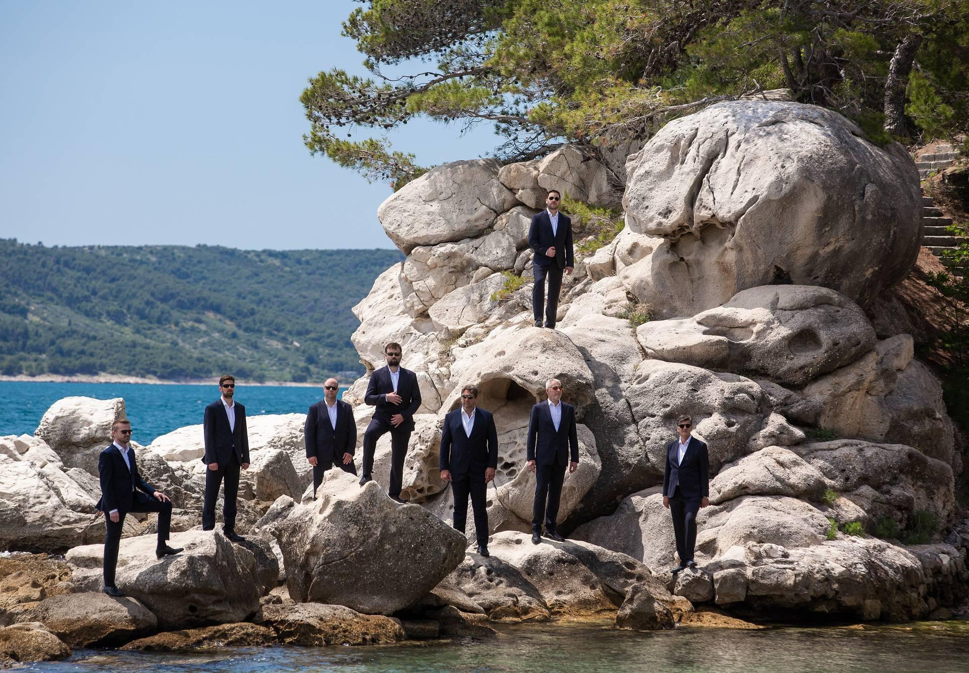 Klapa Rišpet predstavlja novu pjesmu 'Ja samo za te živin'
