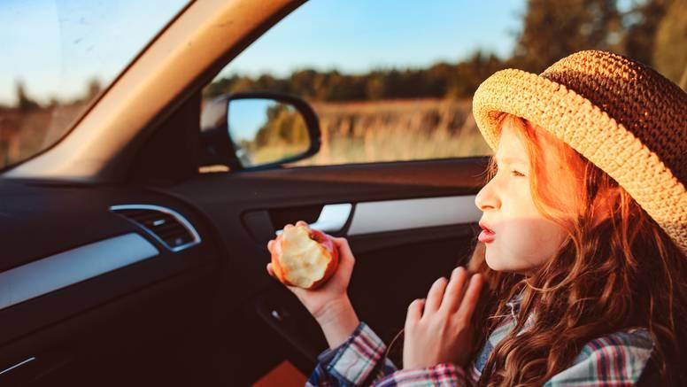 Hrana koja neće napraviti nered u autu: Super za sva putovanja