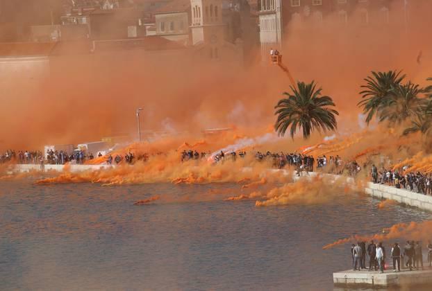 Torcida dimnom zavjesom na rivi proslavila 70. rođendan
