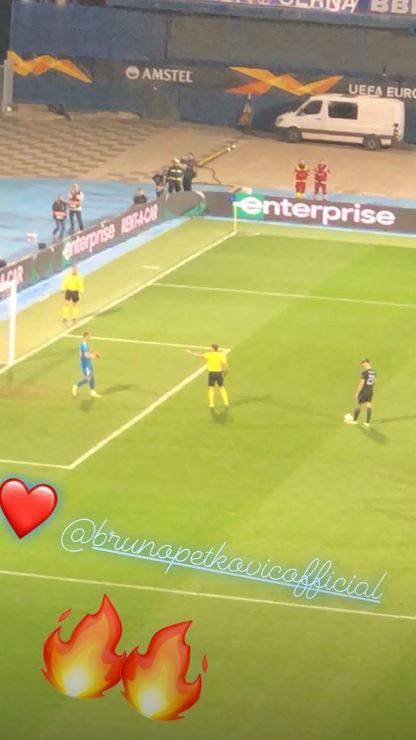 Poljubac poslije tekme: Cura je na Maksimiru bodrila Petkovića