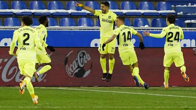 La Liga Santander - Deportivo Alaves v Atletico Madrid