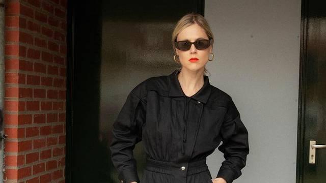 Tako dobar: Crni kombinezon kao hibrid odijela i trenirke