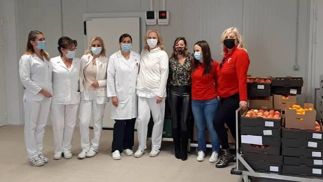 Germania donirala svježe voće i sokove liječnicima i medicinskom osoblju u Puli