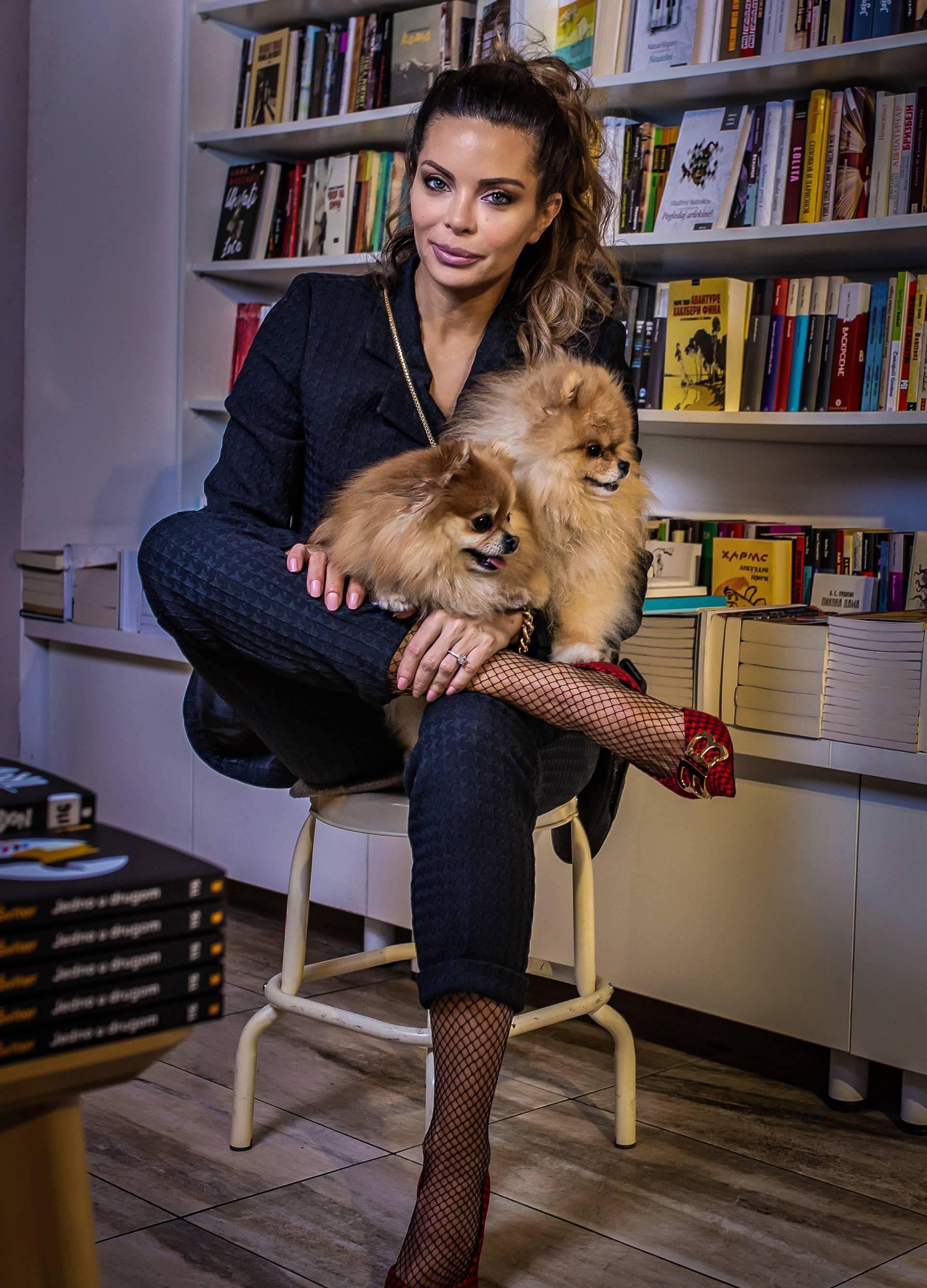Nikolina Ristović: 'Obožavam nositi nakit. Pa čemu drama?'