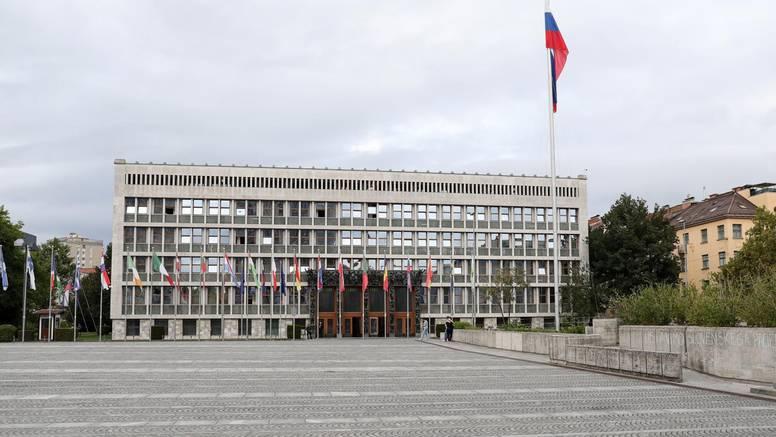 U Sloveniji i dalje rastu brojevi, opet prosvjedovali protiv mjera
