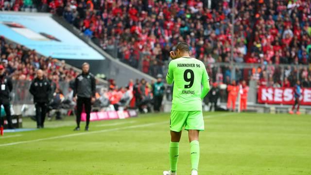 Ušao, zabio gol, dobio žuti pa crveni: I to sve u devet minuta